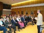 GR Thomas Mittelberger kündigte bei der Laudatio auch eine neue Solarenergie-Offensive der Gemeinde an.