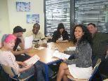 Jugendliche vieler Nationen schaffen sich in den Kursen eine Basis zum Einstieg ins Berufsleben.
