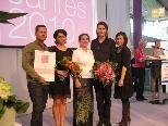 Kosmetikqueen Karin Amann (Bildmitte) mit den stolzen Preisträgern.