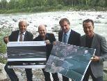 Präsentierten die Pläne der neuen Radwegbrücke: Weber, Müllauer, Linhart und Moosbrugger.
