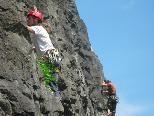 Spaß und Spannung in schwindligen Höhen bietet der Klettergarten an der Ill in Feldkirch