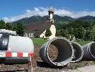 Über ein Kilometer Rohrleitungen werden durch das Ortsgebiet verlegt.