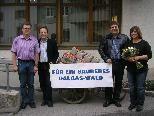 v.l.n.r. Altpostmeister Reinhard Burtscher, LAbg. Pepi Brunner, Postmeisterin Angelika Müller, GR Michael Koschat