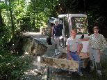 """Die Firma """"Zußner"""" vom Berg hat mit den ersten Räumungsarbeiten begonnen."""