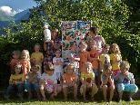 Die Kindergärtnerinnen freuten sich sichtlich über die tollen Abschiedsgeschenke