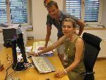 Gerhard Achberger arbeitet Beate Malz in ihre neue Aufgabe ein.