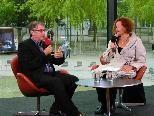 Bettina Waldner-Barnay im Gespräch mit Intendant Ulrich Khuon