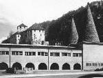 Bild: Die Volkshalle auf dem Leonhardsplatz, bis sie 1973 durch einen Brand fast zerstört wurde.