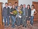 Bürgermeister Rümmele gratulierte persönlich zum erfolgreichen Abschluss der Ausbildung.