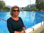 Daniela Götsch kommt seit Jahrzehnten in das Felsenaubad und hat eine Unterschriftenaktion gegen neue Kombikarte Felsenau-Waldbad gestartet