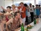 Gemeinsame Tänze beim Sommerfest