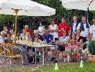 Gemütliches Beisammensein und beste Bewirtung stehen im Vordergrund der Feste am Tennisplatz.