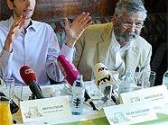 Heinz Holecek (re.) neben Parteiobmann Ralph Chaloupek währen der Pressekonferenz.