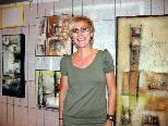 Künstlerin Karin Schelling widmet sich der abstrakten Acrylmalerei