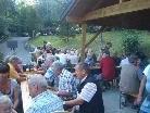 gesellige Runde beim Grillfest der Fischer