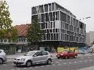 Die Raiffeisenbank an der Stadtstraße präsentiert sich unverhüllt.