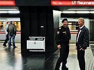 Die Wiener U-Bahn feierte ihren ersten Nacht-Einsatz.