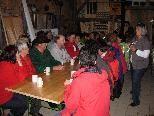 OGV-Permakulturgartenteilnehmer in der Scheune von Margit Rusch