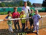 Tennisbegeisterte Jungs