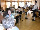 Beim Dorfertreff wird ein abwechslungsreiches Programm für Senioren geboten.
