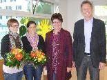 Bgm. Richard Amann und StR. Edith Mathis mit den Kiga-Pädagoginnen Nicole Natter und Corinna Büsel