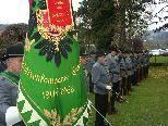 Bild: Die Schützenkompanie Gisingen auf dem Soldatenfriedhof St. Wolfgang in Tosters.