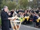 Bischof Erwin Kräutler hob die Bedeutung der Weltläden hervor.