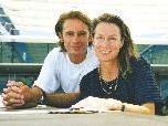 Claude Jaermann und Kristina Pfister sind Berater und Referenten in eigener Praxis in der Schweiz, spezialisiert auf die Themen Nähe, Intimität und Sexualität.