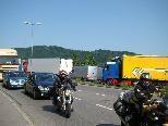 Der Durchgangsverkehr zur Schweizer Grenze plagt die Lustenauer und sorgt für Staus.