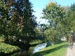 """Der """"Neuner"""" (Lustenauer Kanal) im Osten Lustenaus ist ein sehr naturbelassener, idyllischer Bach."""