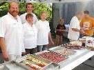 Die Familie Kühne freut sich, alle Gäste mit eigenen Produkten zu verköstigen