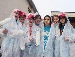 """Die """"Hattler Minis"""" (Anna, Corina, Elisabeth, Lara, Isi, Hannah und Nisi) strichen die Wände für ein Appartement in Rankweil."""