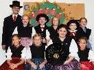 Die jüngsten der BG Bludenz samt Tanzleitern mit ihren feschen Trachten