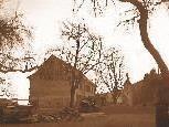 """Johann Josef Beck baute 1840 ein Wohnhaus mit Gasthaus und Stall, das später der Sommersitz Industriellen """"S'Herrassa-Amman"""" wurde"""