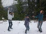 Judith, Jana und Eliane aus der Hittisauer VMS freuten sich heute sichtlich über den ersten Schnee
