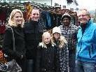 Marktfahrer, Karussell und Zuckerwatte lockten - trotz Schlechtwetter blieben die Besucher nicht aus ...