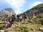 Verdiente Rast auf der Trekkingtour für Mensch und Tier .