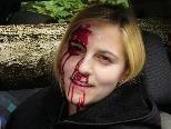"""Vierzehn """"Verletzte"""" wurden aus ihren Autos befreit - darunter auch Christina."""