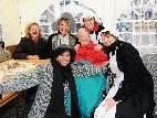 Auch die Bewohnerinnen und Bewohner der Senioren Residenz Martinsbrunnen genossen die Köstlichkeiten auf dem Martinimarktstand.