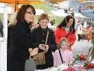 Beste Stimmung bei den Besuchern des Lingenauer Adventmarkts.