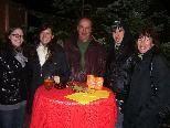 Beste Weihnachtsstimmung bei der Eröffnung des Punschgartens im Hohenemser Palast.