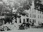 """Bild: 1: Das damalige """"Gasthaus zum Ross"""" ist der """"Vorläufer"""" der heutigen """"Braugaststätte Rössle Park""""."""