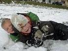 Das Herumtollen im Schnee machte sichtlich großen Spaß.