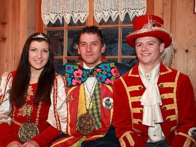 Das Prinzenpaar mit Obmann Rupert Natter