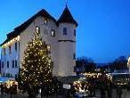Die Besucher des Götzner Weihnachtsmarktes Ende November schätzen den gemütlichen Rahmen beim Jonas Schlössle
