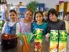 Die Kinder führten das Café in Eigenregie.