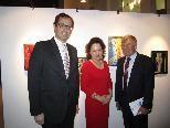 Dr. Michael Grahammer, Univ.Prof. Mag. Dr. Gudrun Grabher mit Künstler akad. Maler Prof. Gerhard Winkler