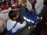 Eine große Freude hatten die Kinder bei der Übergabe der Schultaschen der Frastner Kinder