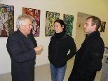 Erich Smodics im Gespräch mit Atelierbesuchern
