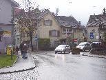 Eva Schreiber findet, dass die Umfahrung in Hohenems besser markiert werden sollte.